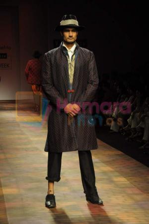 ven heusen men s fashion week-2