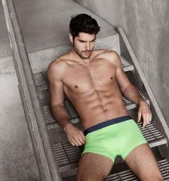 wpid-nick-bateman-underwear-simons-6.jpg