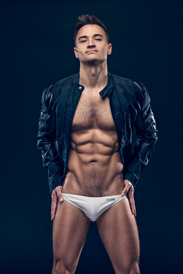 Michael Hargis is an office professional in Marketing Communication area. He's a fitness enthusiast and does underwear modeling as a hobby. Connecting with photographer Hayden Su, Michael wears Lime Underwear pieces, looking pretty damn good.