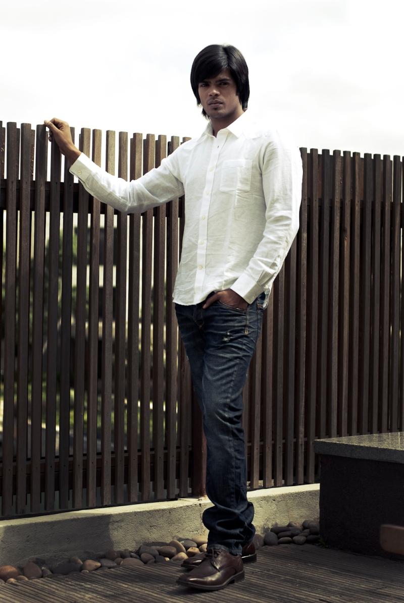 White shirt 1