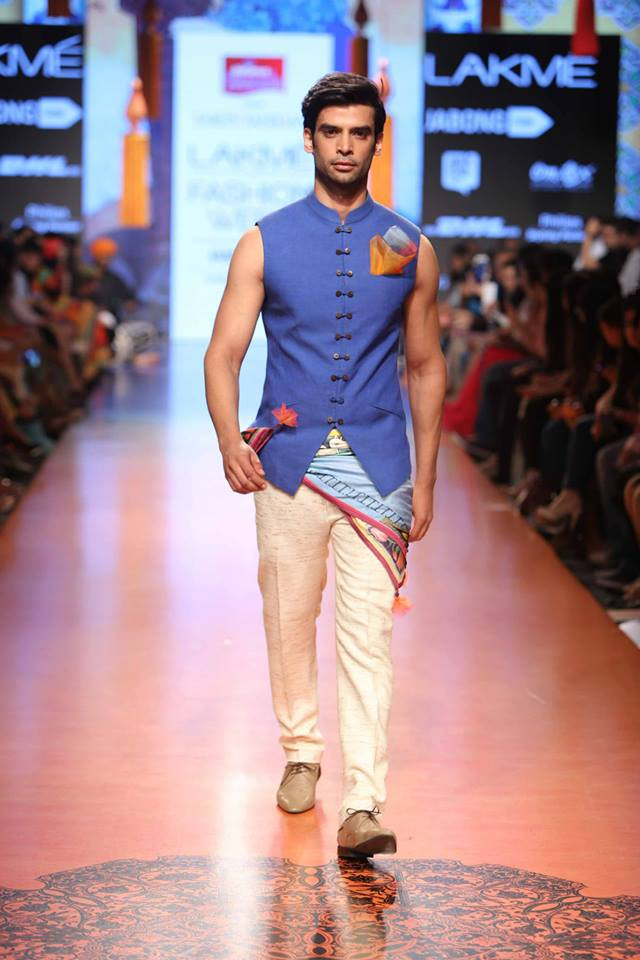 02_IMM_Indian_Male_Models_FW_Lakme_Tarun_Tahiliani
