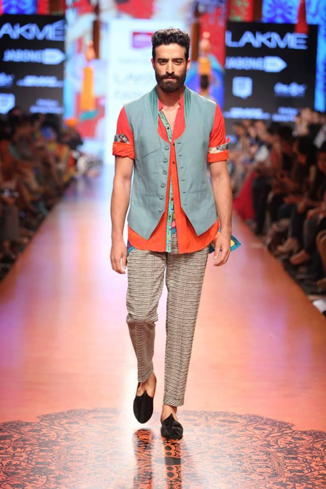04_IMM_Indian_Male_Models_FW_Lakme_Tarun_Tahiliani