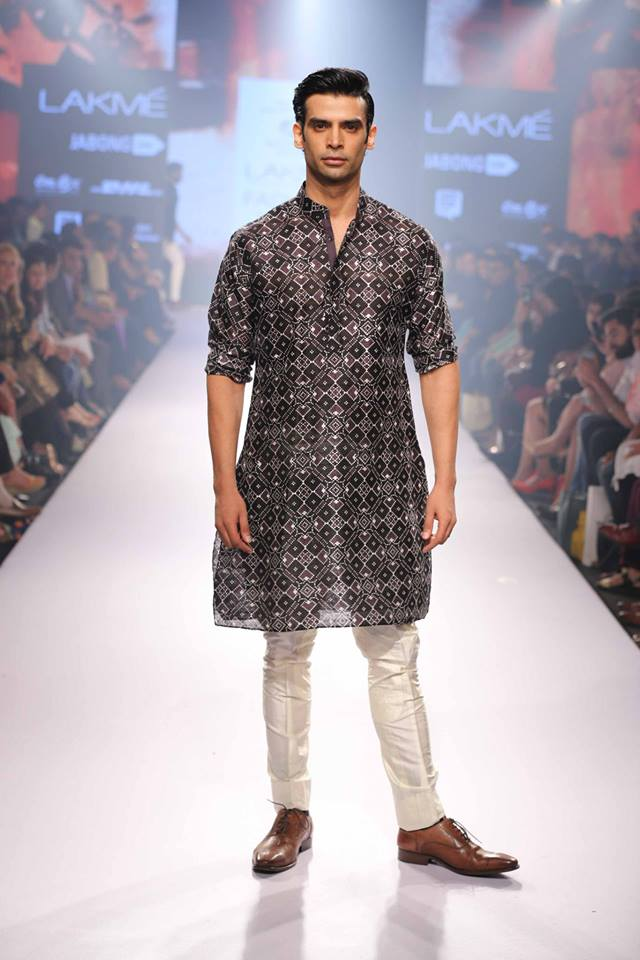 14_IMM_Indian_Male_Models_Lakme_FashionWeek_RAGHAVENDRA_RATHORE