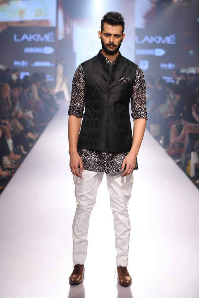15_IMM_Indian_Male_Models_Lakme_FashionWeek_RAGHAVENDRA_RATHORE