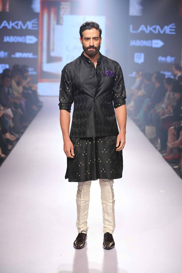 17_IMM_Indian_Male_Models_Lakme_FashionWeek_RAGHAVENDRA_RATHORE