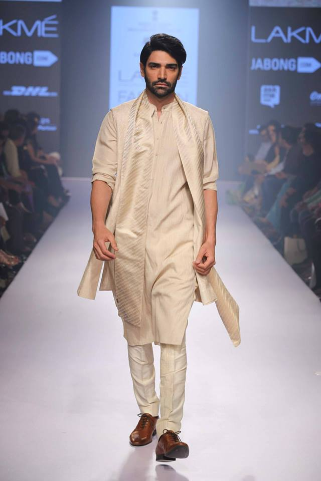 18_IMM_Indian_Male_Models_Lakme_FashionWeek_RAGHAVENDRA_RATHORE