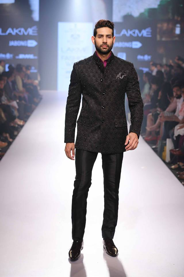 20_IMM_Indian_Male_Models_Lakme_FashionWeek_RAGHAVENDRA_RATHORE