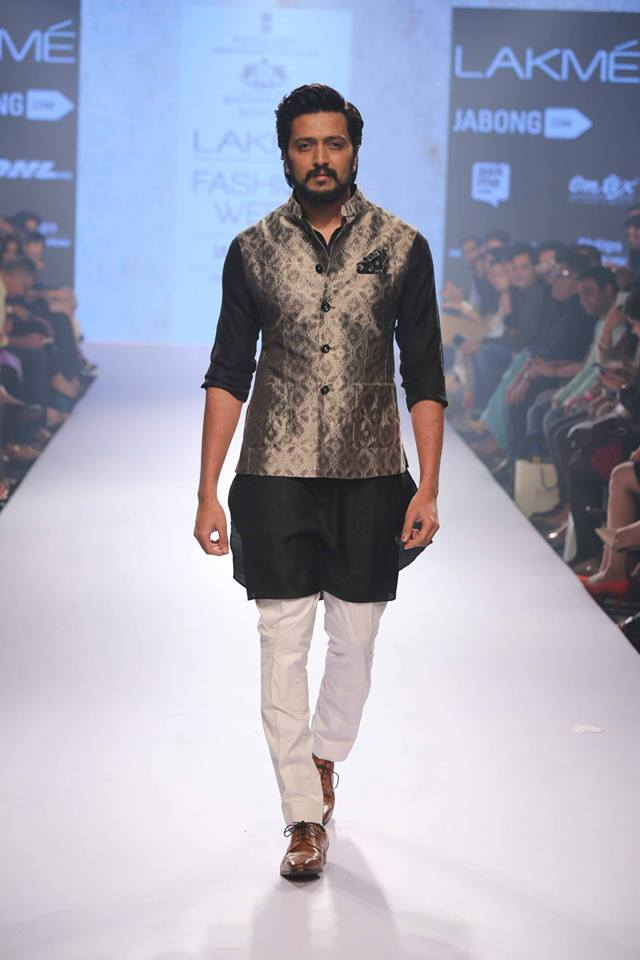 24_IMM_Indian_Male_Models_Lakme_FashionWeek_RAGHAVENDRA_RATHORE