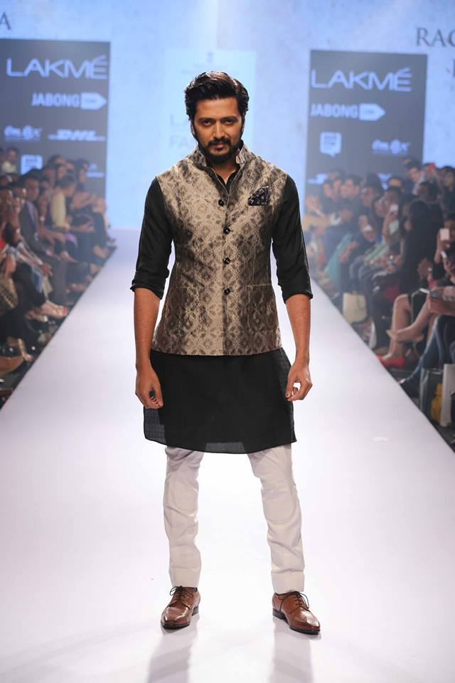 25_IMM_Indian_Male_Models_Lakme_FashionWeek_RAGHAVENDRA_RATHORE
