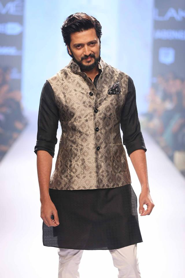 26_IMM_Indian_Male_Models_Lakme_FashionWeek_RAGHAVENDRA_RATHORE
