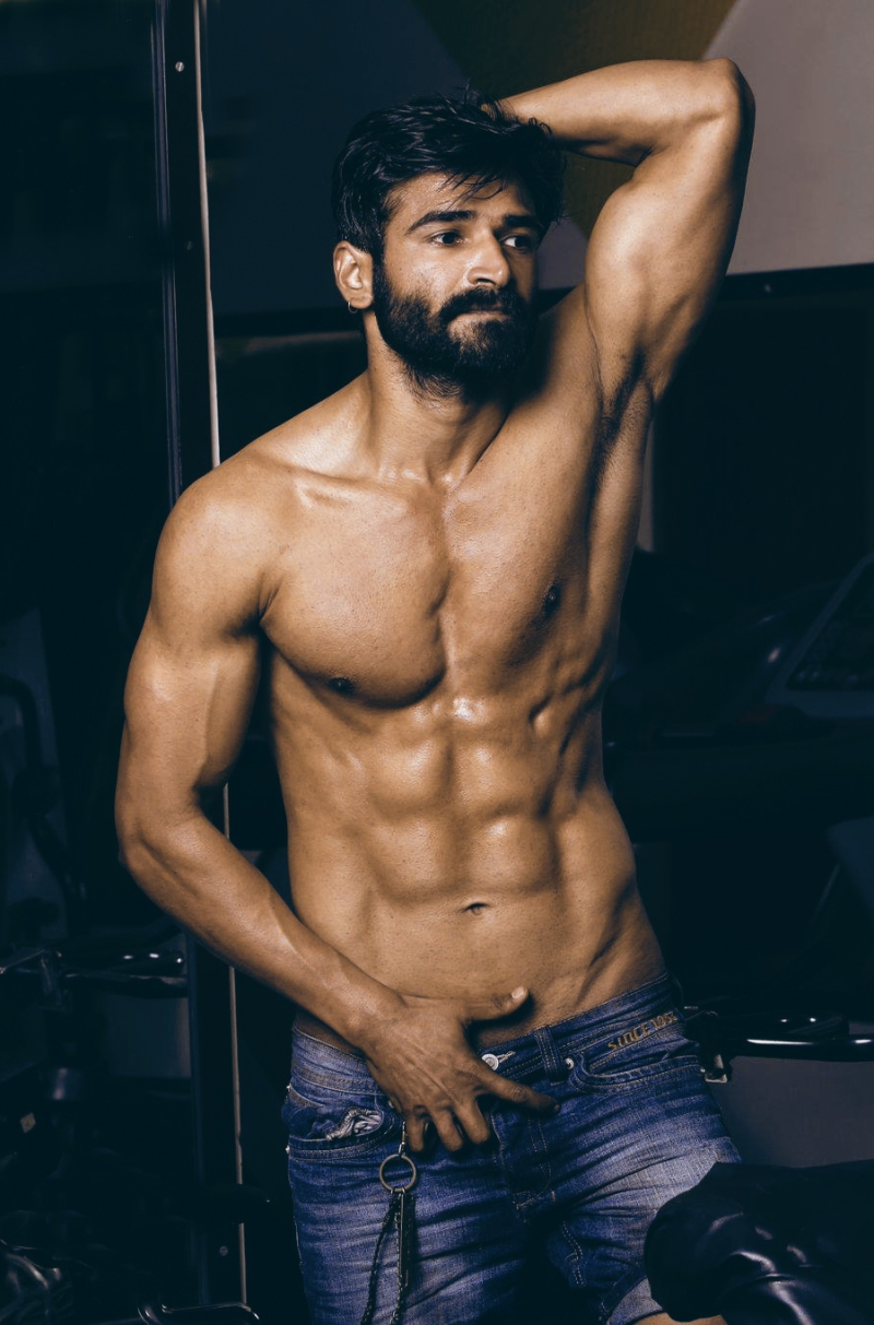 02_Vineet_IMM_Indian_Male_Models