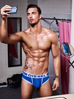 10_IMM_Indian_Male_Models_DIESEL