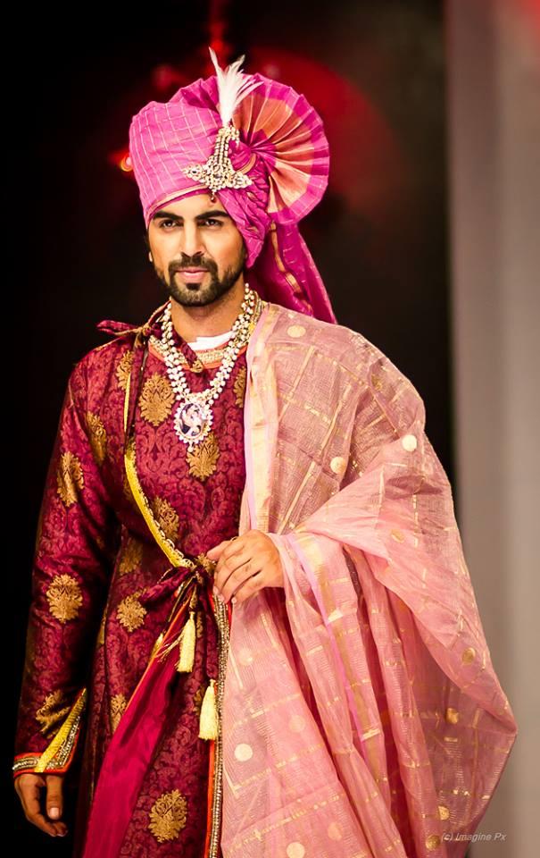 01_IMM_Indian_Male_Models_BFW