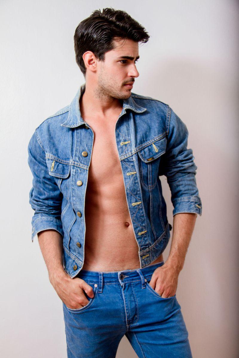 Ricardo (1)