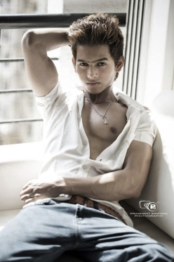 Title_02_IMM–Indian_Male_Models_Youngster_Mukesh_Jawlekar