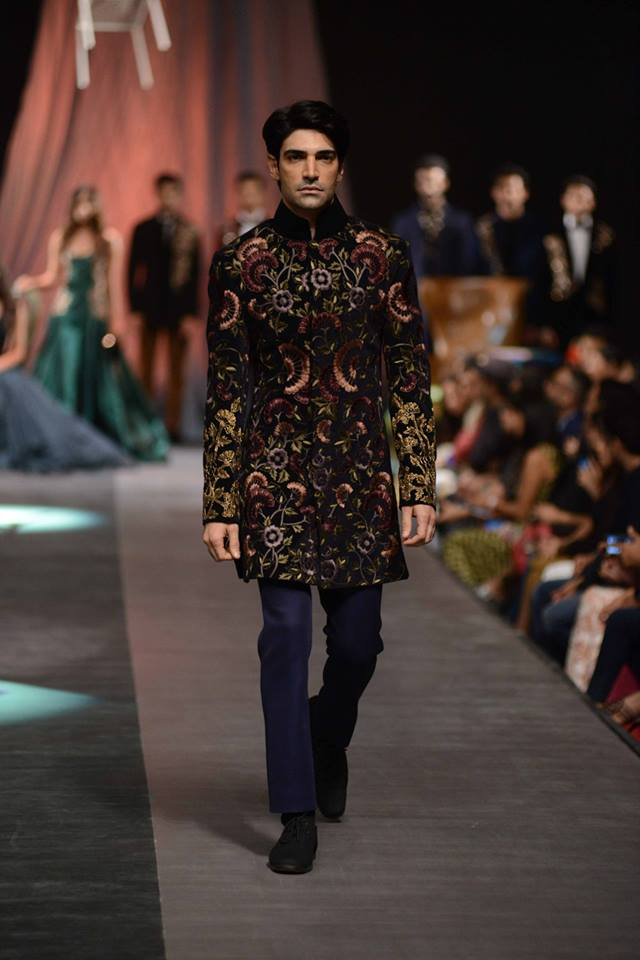 Philips Presents Manish Malhotra Indian Male Models