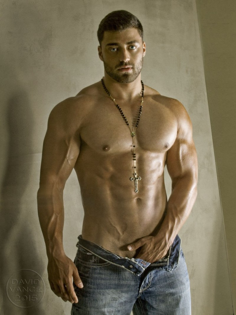 alexander-yunayev-by-david-vance-9