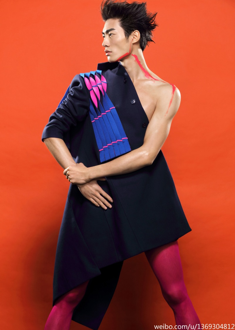 Let's discover perfectly done model Ni Hao shot by Zhào Hoo Yuān in fashionable garments.