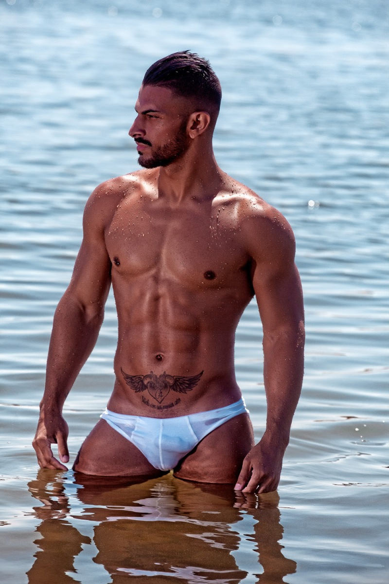 15-sexy-reasons-to-not-miss-summer-2016-cacc81ndido-arteaga-by-joan-crisol-14