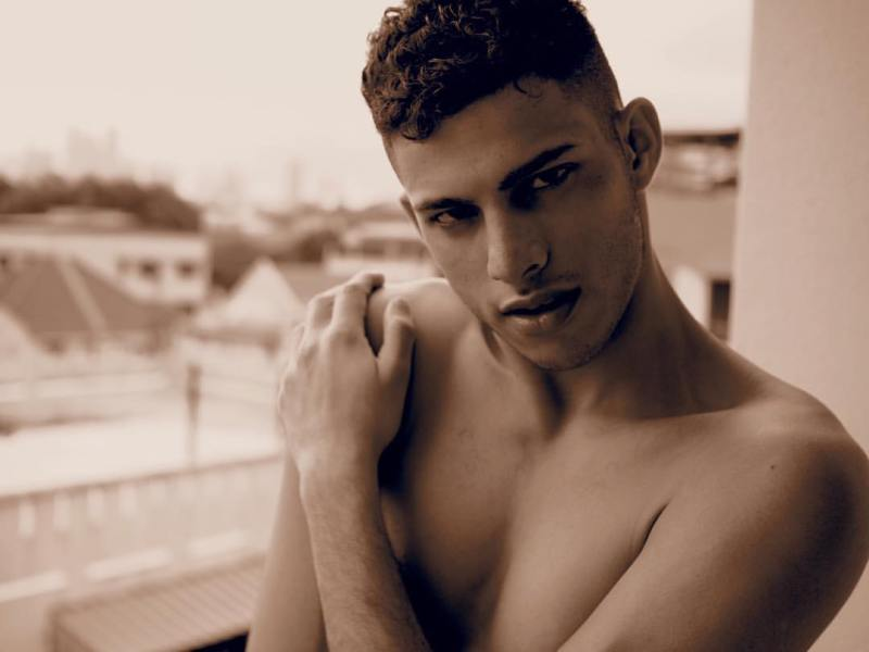 02_ro_r_imm_indian_male_models