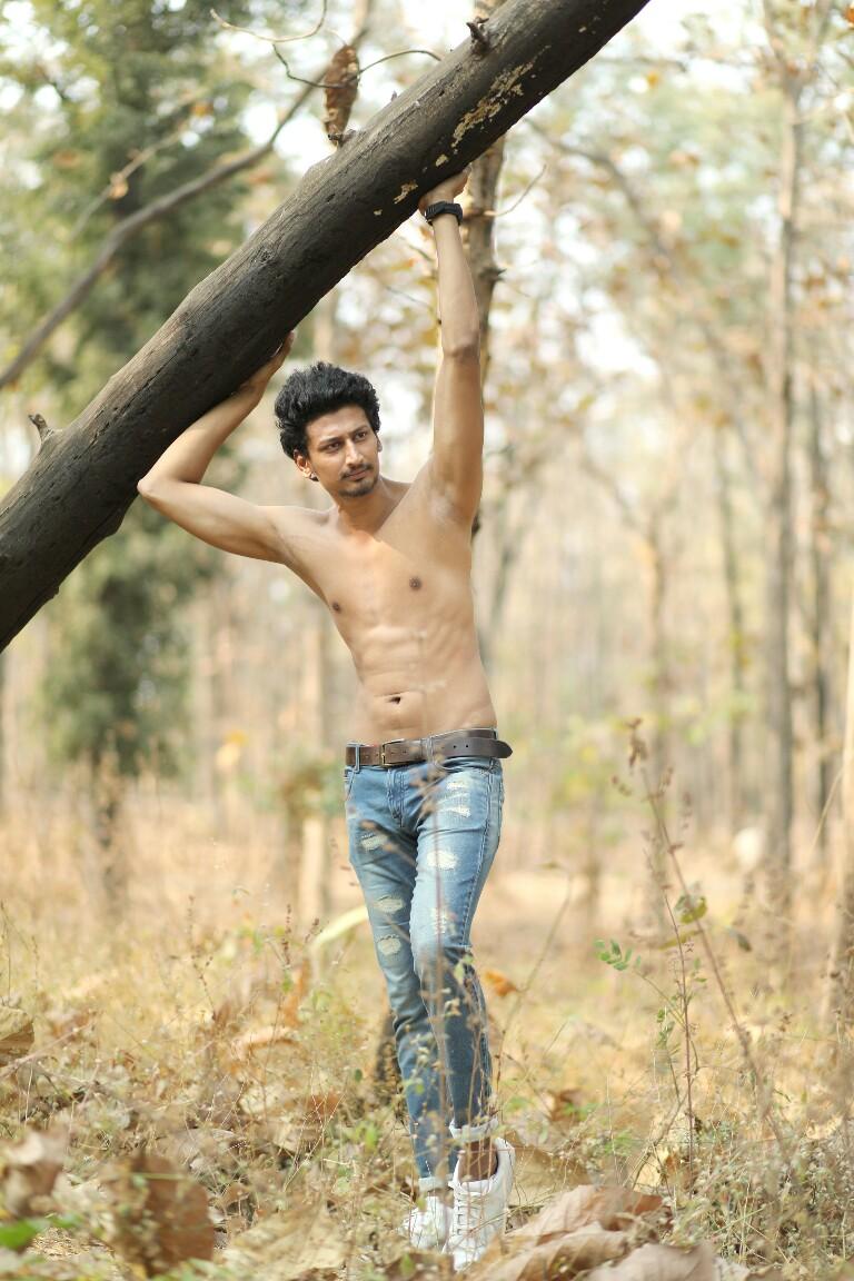 09_0127598_IMM_Indian_Male_Models